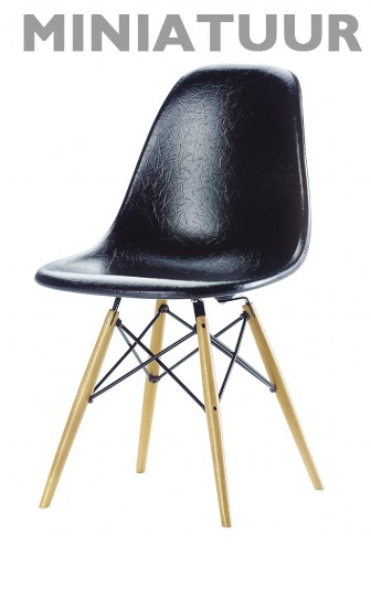 Vitra DSW stoel miniatuur
